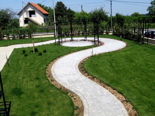Tepih travnjaci postavljanje i održavanje